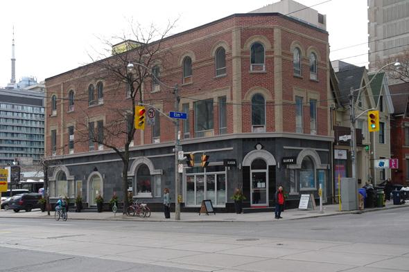 650 Bay Street -hotel