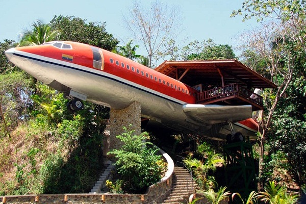 Obscure Homes Airplane